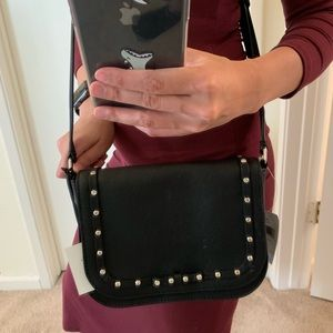 KATE SPADE LARGE CARSEN LAUREL WAY BLACK CROSSBODY